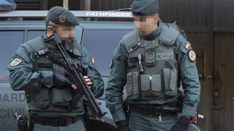 Estacazo de la Guardia Civil a Pablo Iglesias:  Deja de ...