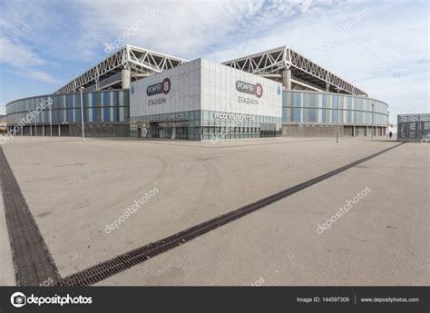 Estadio de fútbol o Estadi Cornellà El Prat, casa del ...