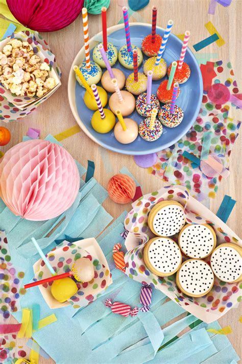 Estallido de colores en una fiesta infantil   Fiestas y ...