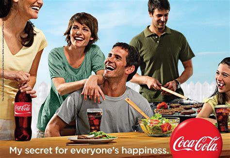 Este anuncio quiere expresarnos que si tomamos coca cola ...