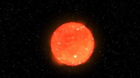 Este es el momento exacto en que explota una estrella ...