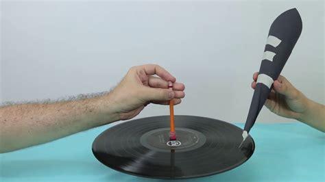 Este es el sonido de un disco de vinilo con una aguja y un ...