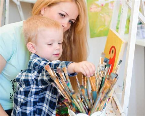 Estudiar Psicología Infantil   Esneca Business School