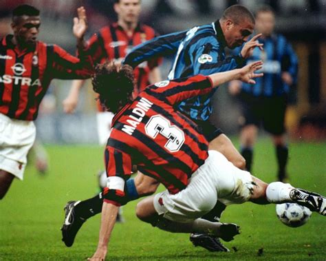 Eupallog Pentavalide: Ronaldo