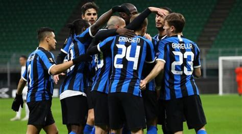 Europa League: Inter Milan advance behind 'surreal' closed ...