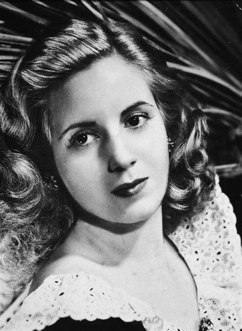 Eva Perón   Biography of Evita, First Lady of Argentina