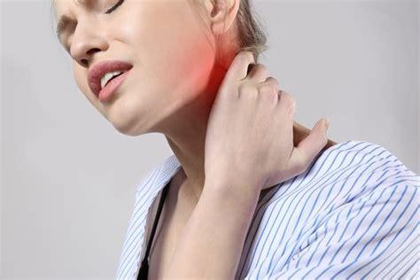 evitar espasmos musculares calambres | Dolor de cuello ...