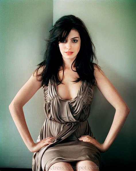 eWorld  ♫ Music. Love. : Anne Hathaway