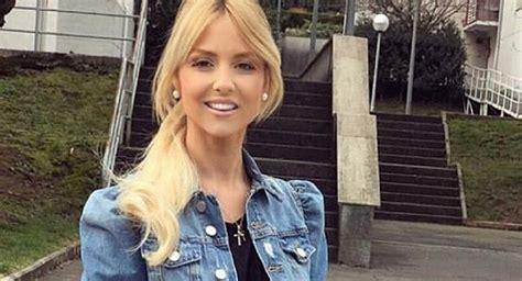 Ex Arsenal Star Vela s Hot Wife Backs Him Over Claims He ...
