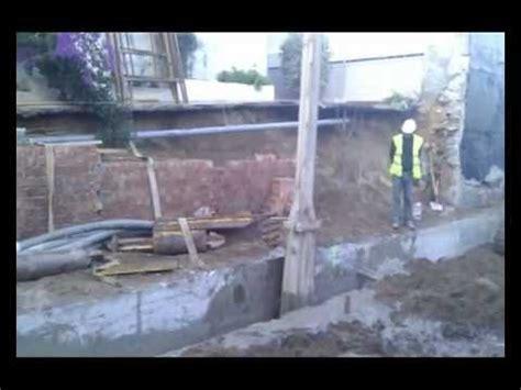 Excavando batache para muro pantalla   YouTube
