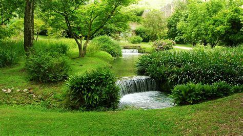 Excursión de un día al Jardín de Ninfa y Sermoneta desde ...