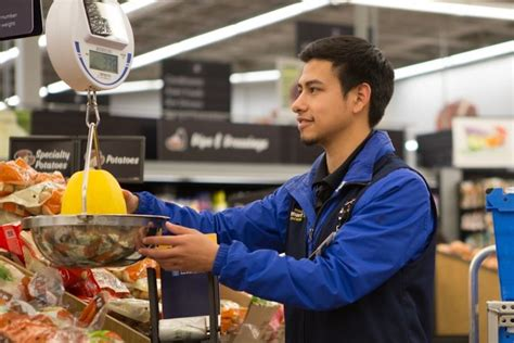 Expanding Grocery Delivery Services : walmart and postmates