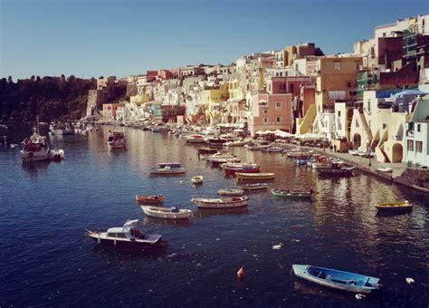 Experiência Erasmus em Nápoles, Itália de Lucía ...