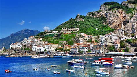 Experiencia Erasmus en Nápoles, Italia de Ele ...