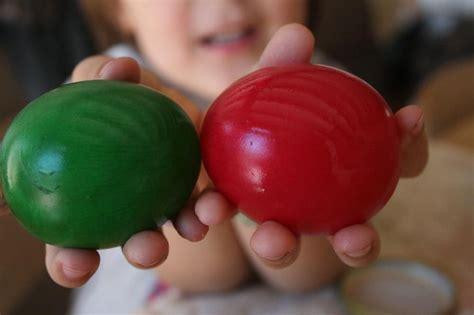 Experimento de los Huevos de Colores   experCiencia