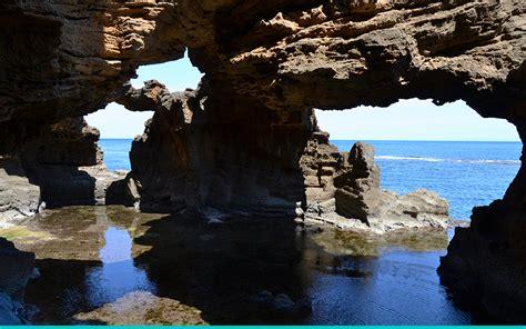 Exploring the Cova Tallada caves