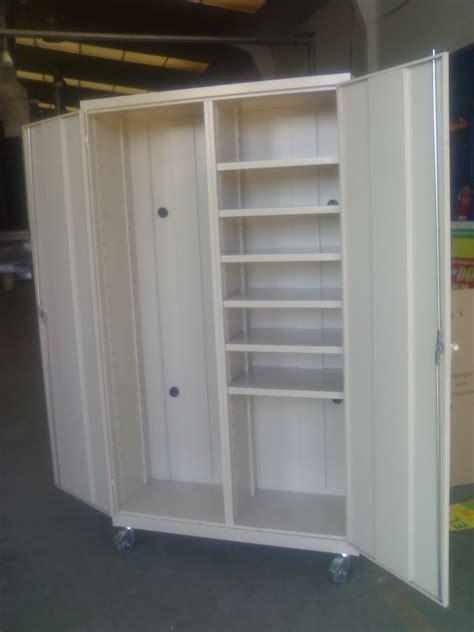 Fabricacion de muebles metalicos a medida en Madrid y Toledo.