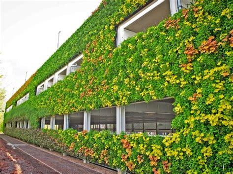 Fachada verde en edificio National Grid House  Reino Unido