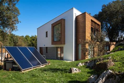 fachadas de casas ecologicas  Casas y Fachadas