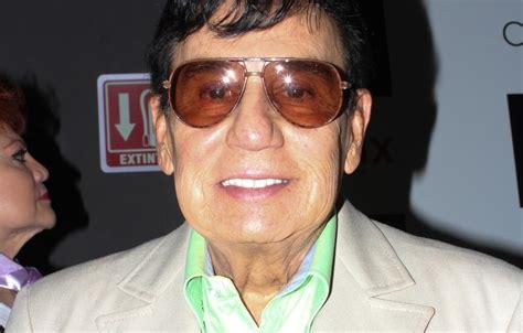 Fallece a los 84 años de edad el cantante Gualberto Castro ...