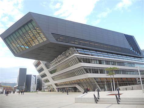 Fallece la arquitecta Zaha Hadid
