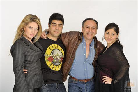 Familia Berhanyer, en la tercera temporada de  Perdidos en ...