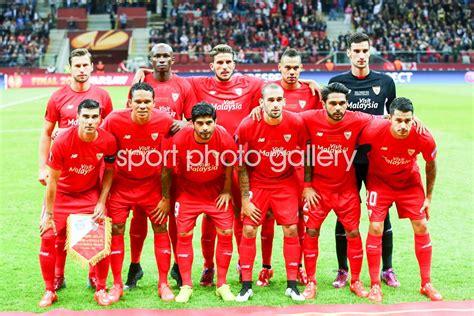FC Sevilla squad UEFA Europa League Final 2015 Photo ...