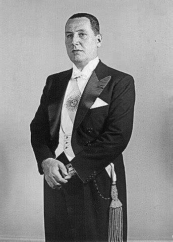 Fichier:Juan Domingo Perón.jpg — Wikipédia