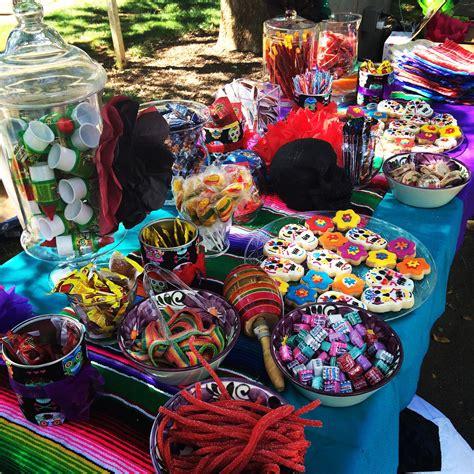 Fiesta candy bar   Decoracion fiesta mexicana, Fiesta ...