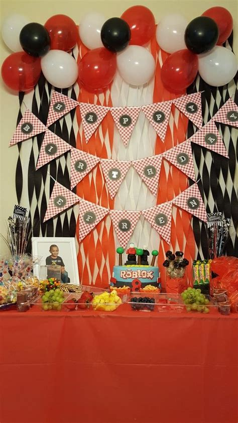 Fiesta de Roblox   pasteles de roblox   centros de mesa de ...