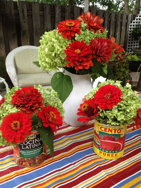 Fiesta table decor | Mexican party, Mexican party favors ...