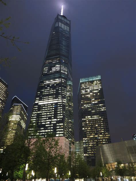 File:1 7 World Trade Center at night 2016.JPG   Wikimedia ...
