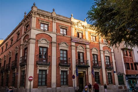 File:Antiguo Banco de España, actual Residencia.jpg ...