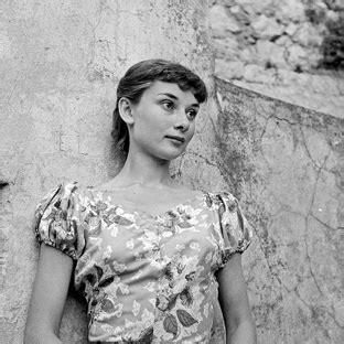 File:Audrey Hepburn 1951.jpg   Wikipedia