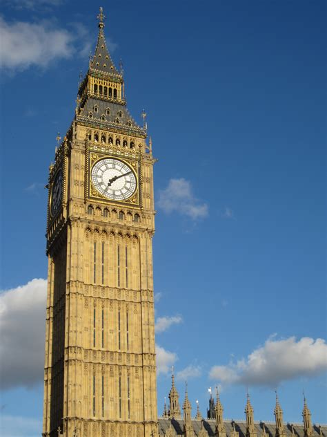 File:Big Ben, London  2014    02.JPG   Wikimedia Commons