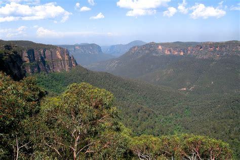 File:Blue Mountains, Australia.jpg   Wikimedia Commons