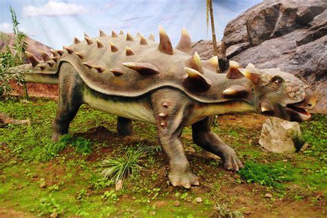 File:Dinosaurios Park, Ankylosaurus.JPG