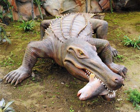 File:Dinosaurios Park, Sarcosuchus2.JPG   Wikimedia Commons