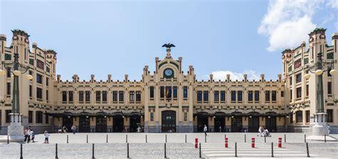 File:Estación del Norte, Valencia, España, 2014 06 30, DD ...
