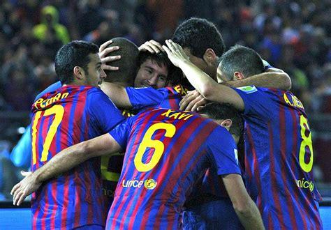 File:FC Barcelona Team, 2011.jpg   Wikimedia Commons