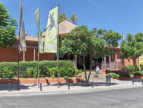 File:Fuengirola zoo.jpg   Wikimedia Commons