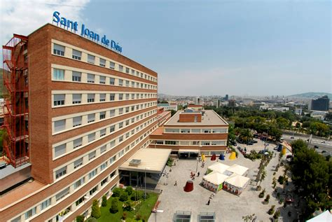 File:Hospital hsjdbcn 01.jpg   Wikimedia Commons