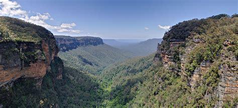 File:Jamison Valley, Blue Mountains, Australia   Nov 2008 ...
