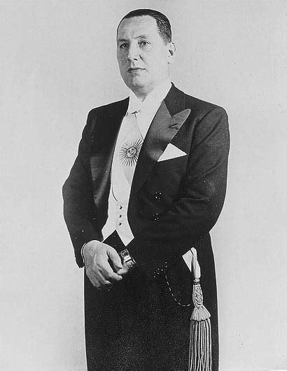 File:Juan Domingo Perón.jpg   Wikimedia Commons