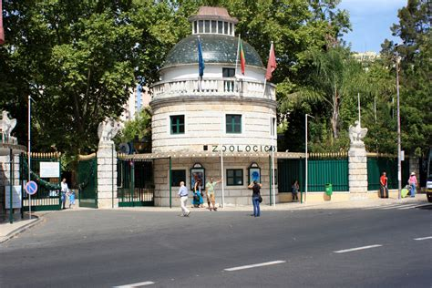 File:Lisbon Zoo, Portugal  entrance 14Sept2010.jpg