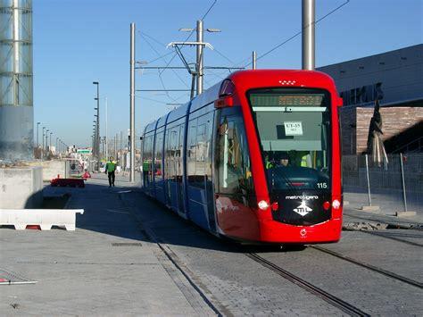 File:Metro ligero Madrid.JPG   Wikimedia Commons