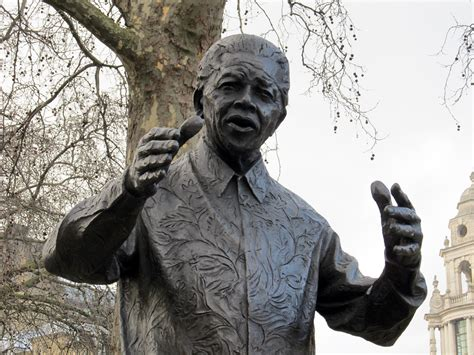 File:Nelson Mandela statue, Westminster.JPG   Wikimedia ...