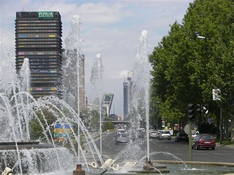 File:Paseo de la Castellana  Madrid  10.jpg   Wikimedia ...