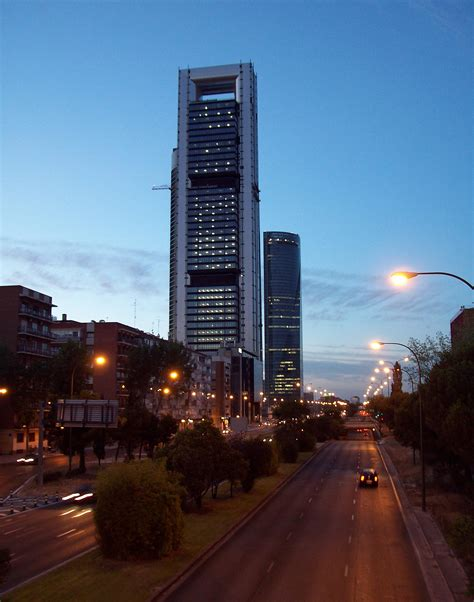 File:Paseo de la Castellana  Madrid  25.jpg   Wikimedia ...