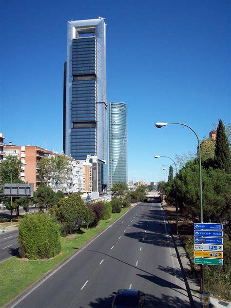 File:Paseo de la Castellana  Madrid  33.jpg   Wikimedia ...